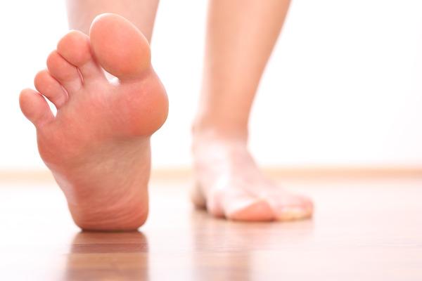 Чем свести мозоль на пальце ноги