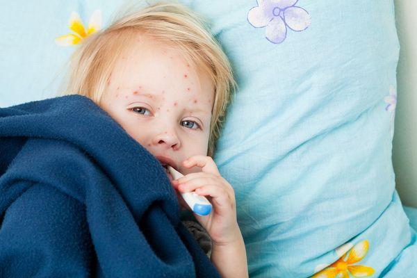 Пузырчатая сыпь во рту у ребенка thumbnail