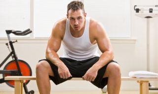 Чрезмерные физические нагрузки у мужчины