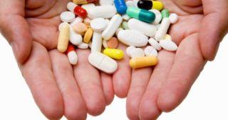 Антибиотики в руке